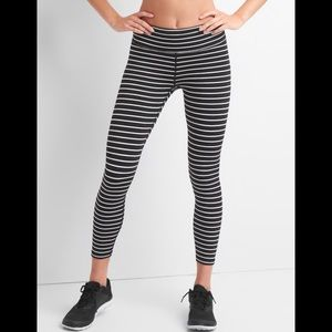 Gap Fit striped 7/8 leggings